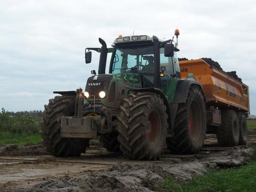 Tractor grondverzet Rene Salman loon en verhuurbedrijf